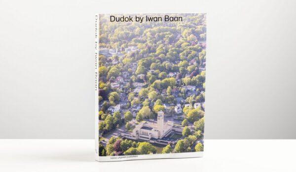 Te koop: boek 'Dudok by Iwan Baan', een uniek overzicht van het werk van Dudok in Nederland